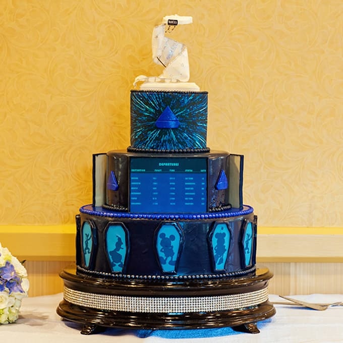 Star Wars Wedding Cake: 121 Amazing Wedding Cake Ideas You Will Love • Cool Crafts