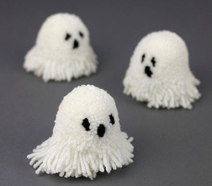 pom pom ghosts