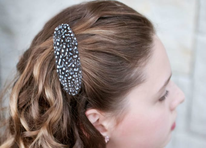 guinea fowl feather hair clip