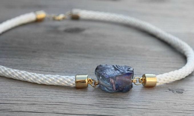 Красивый браслет из камней своими руками 42