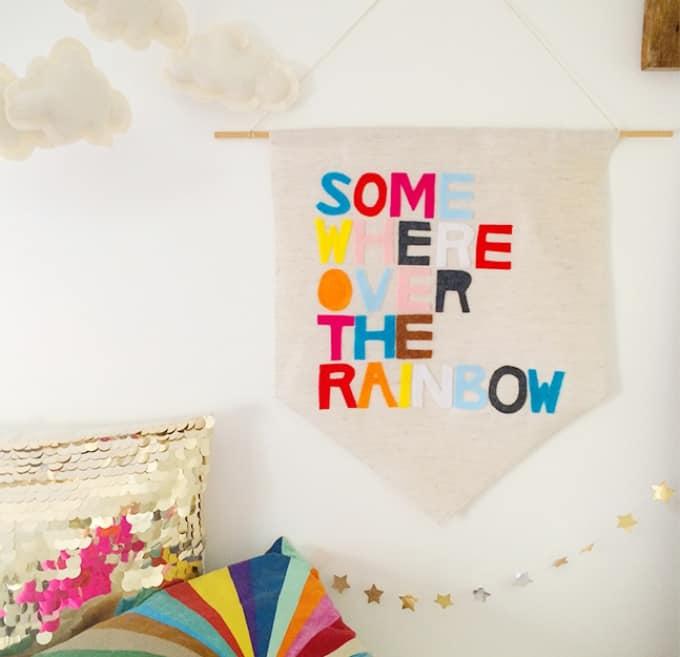 DIY idea for decorating a nursery