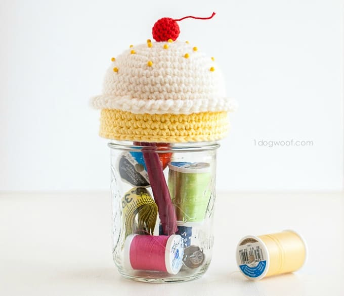 crochet cupcake pin cushion sewing kit