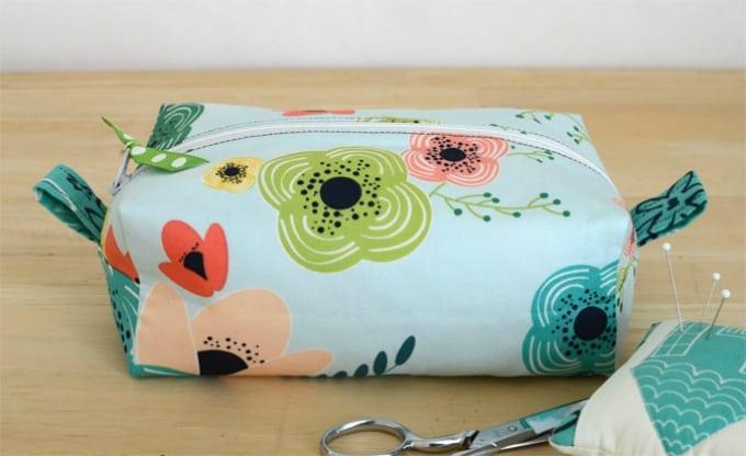 zippered box pouch