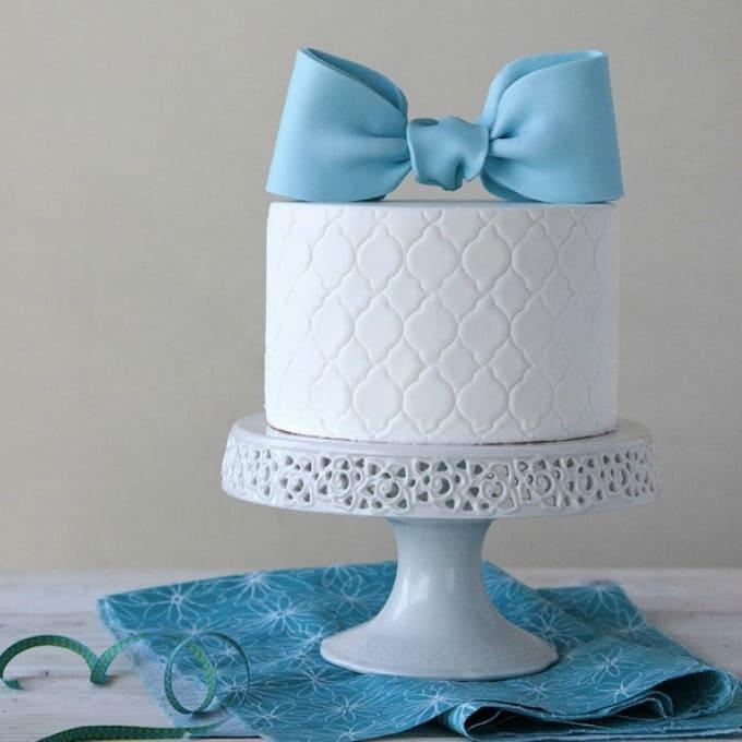 bow cake topper