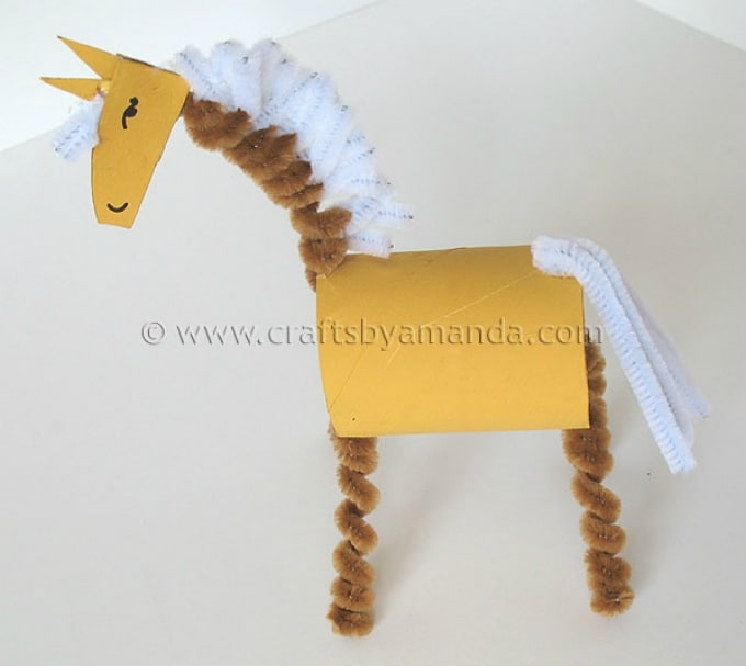40 diy horse craft ideas to inspire your creativity cool crafts cardboard tube horse solutioingenieria Choice Image