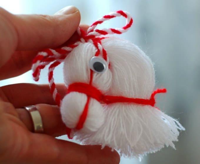 thread horse head