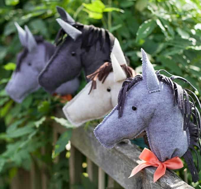felt stick horses