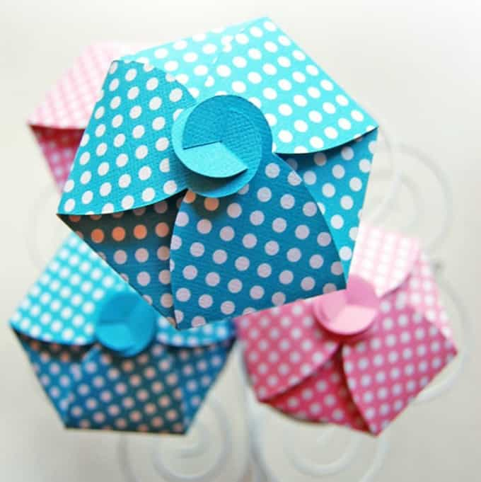 polka dot cupcake holders