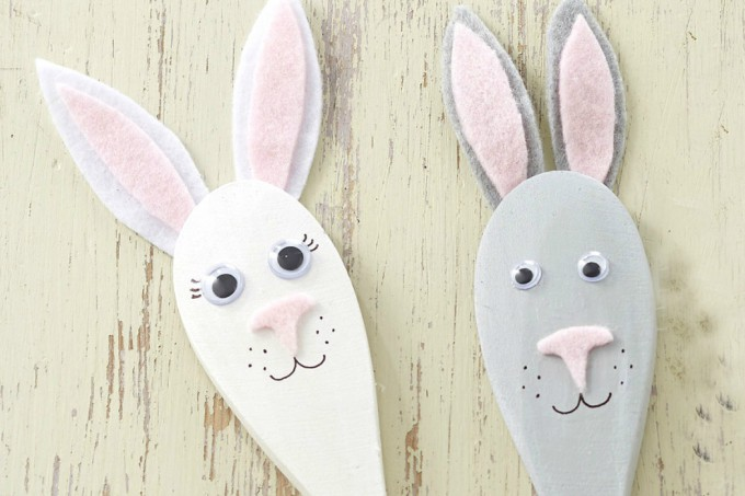 Easter bunny spoon puppets
