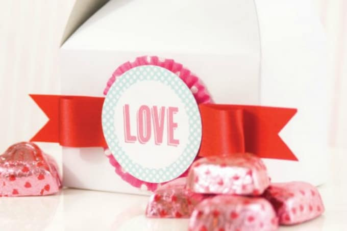 DIY Valentines Day cupcake box idea