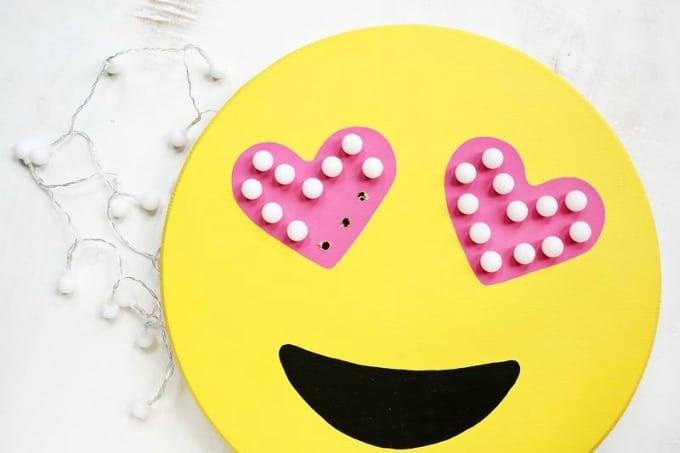 emoji marquee