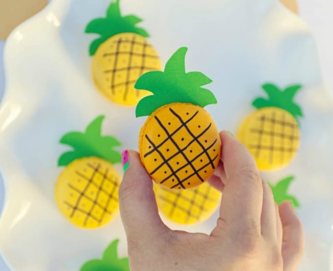 diy pineapple macarons