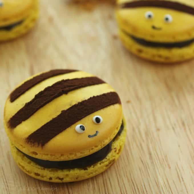 bumble bee macarons
