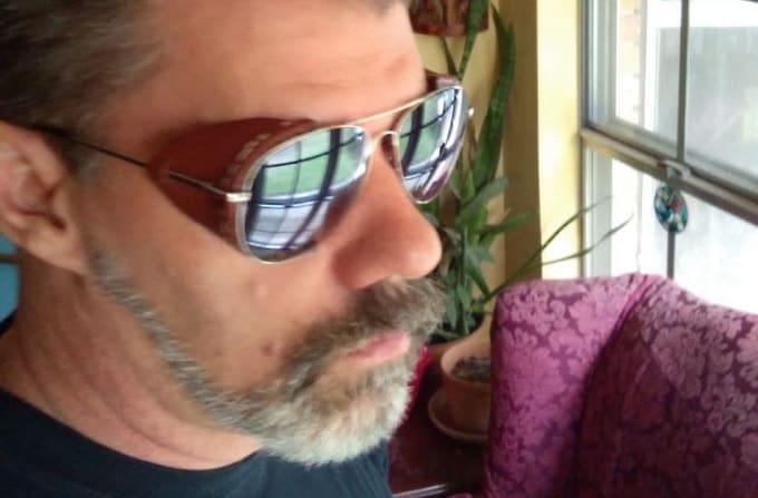 leather side-paneled sunglasses