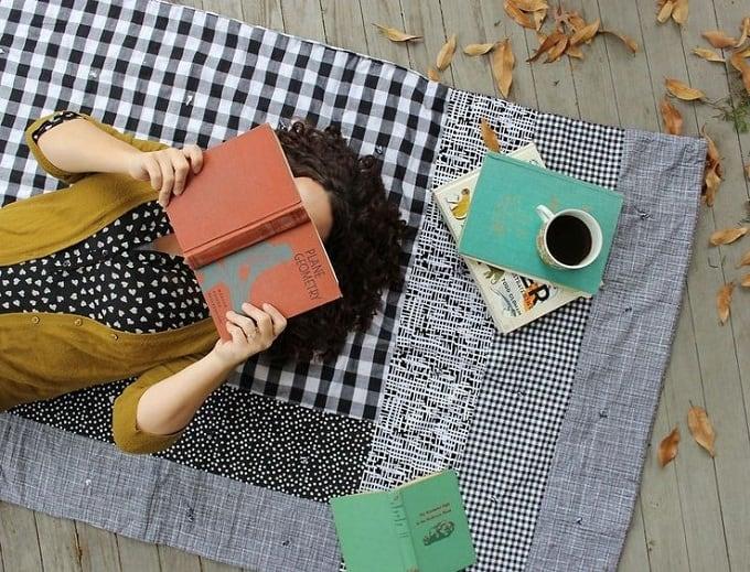 monochrome DIY picnic blanket