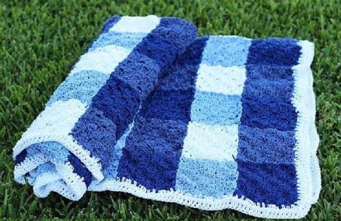 crochet gingham picnic blanket