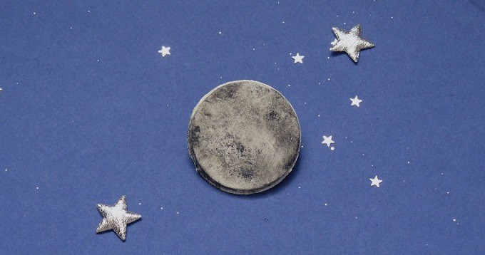 DIY moon brooch