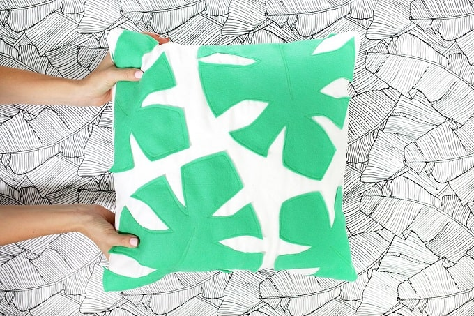 Felt Palm Leaf Pillow - We compiled an eye-catching list of 30 DIY tropical leaf craft ideas for you try. | Coolcrafts.com