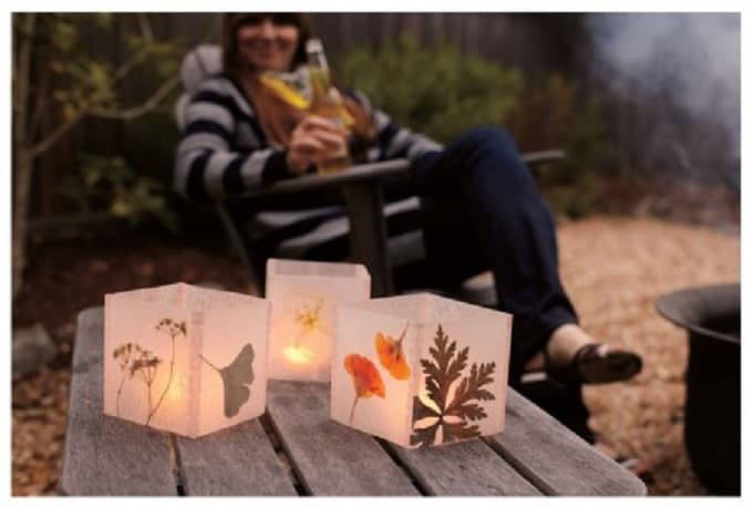 Pressed Flower Luminaria - We compiled a list of 39 other DIY pressed flower ideas for you to make | Coolcrafts.com