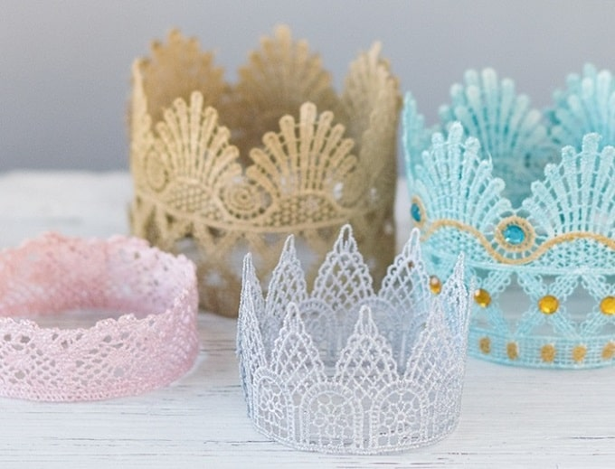 DIY Lace Crowns - Check out our list of 39 other DIY crown and tiaras that you can create for your next party | Coolcrafts.com