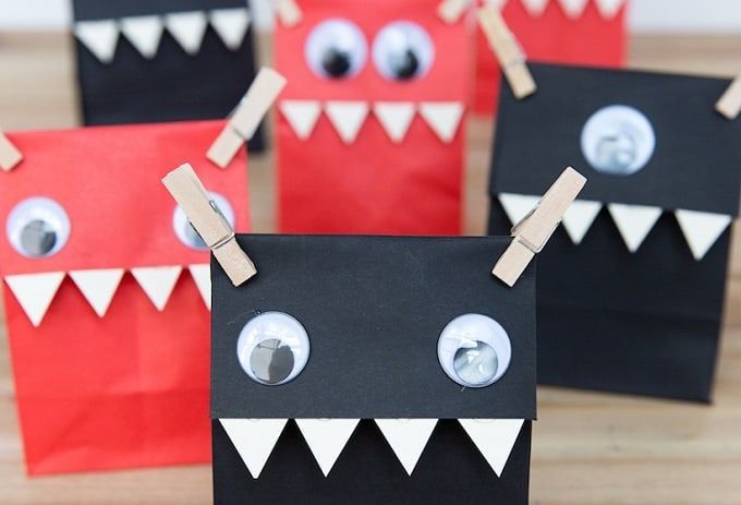 Monster Favor Bags - Check out 34 other eye-catching goodie bag ideas that you can make for your next party. | Coolcrafts.com