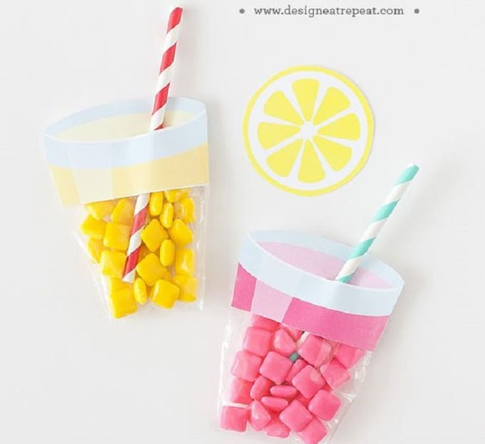 Printable Lemonade Party Favors - Check out 34 other eye-catching goodie bag ideas that you can make for your next party.   Coolcrafts.com