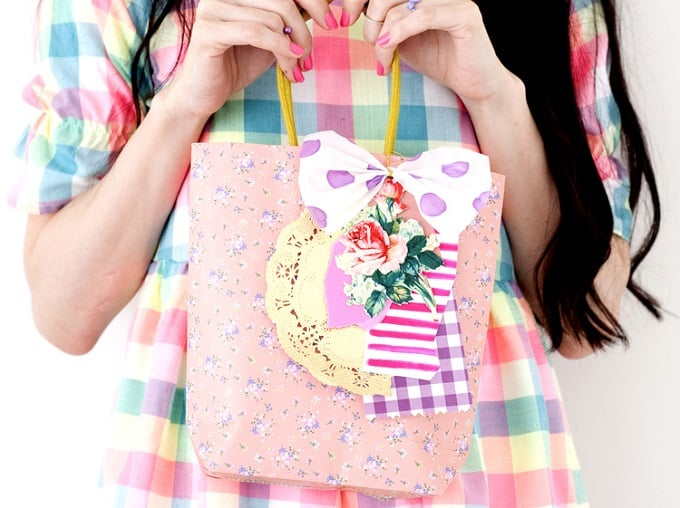 Handmade Paper Bag - Check out 34 other eye-catching goodie bag ideas that you can make for your next party. | Coolcrafts.com