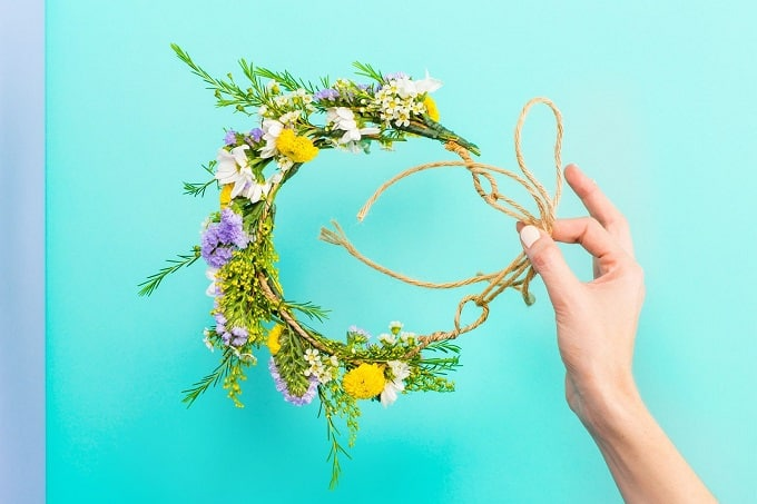 Flower Crown - Check out our list of 39 other DIY crown and tiaras that you can create for your next party | Coolcrafts.com