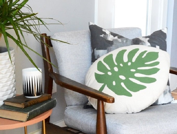 Tropical Leaf Cushion - We compiled an eye-catching list of 30 DIY tropical leaf craft ideas for you try. | Coolcrafts.com
