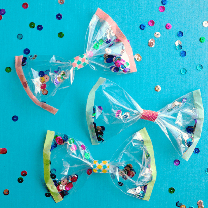 plastic bow that contains confetti