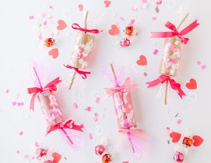 DIY confetti crackers