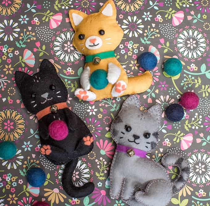 felt craft kittens