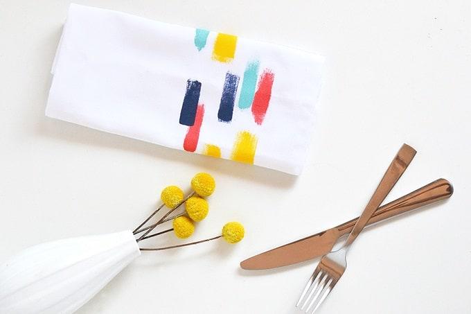 DIY brush stroke napkins