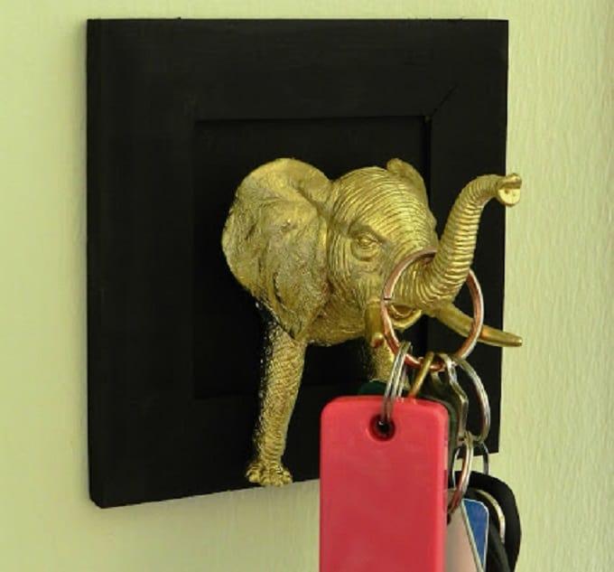 elephant figurines wall hook