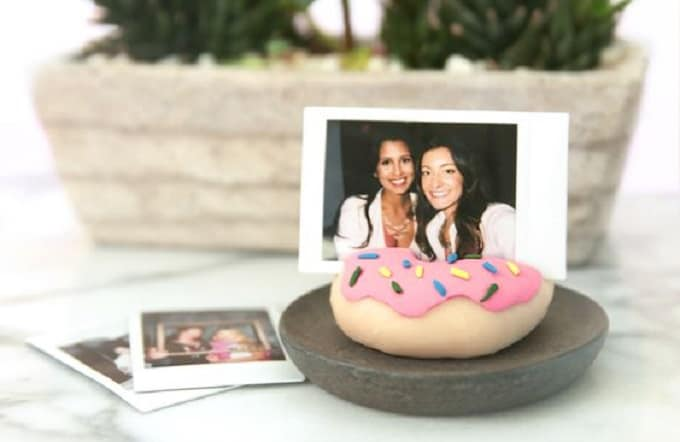 donut photo holder