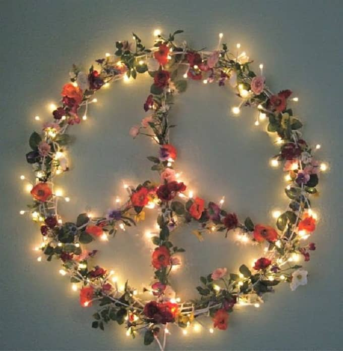 peace sign leaves light