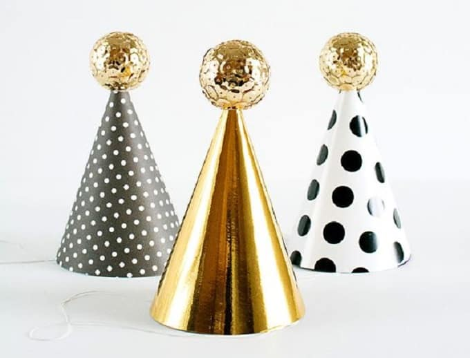 DIY mini party hats