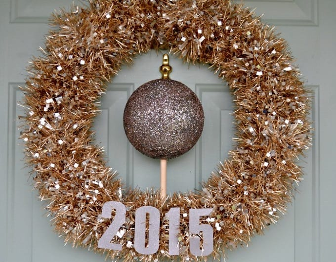 DIY New Year's Eve inspired wreath