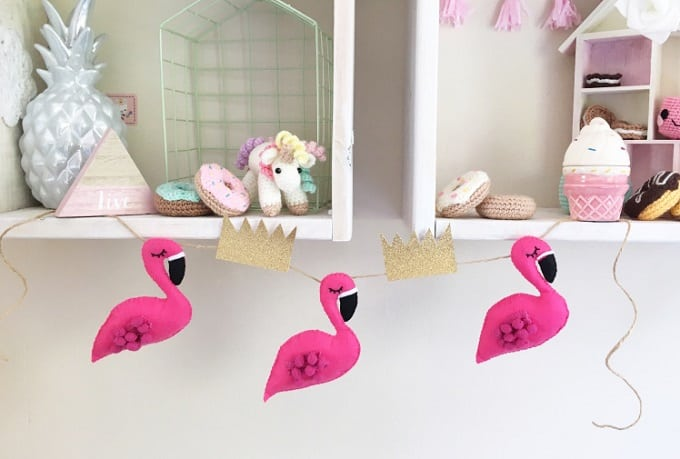 DIY felt flamingo garland