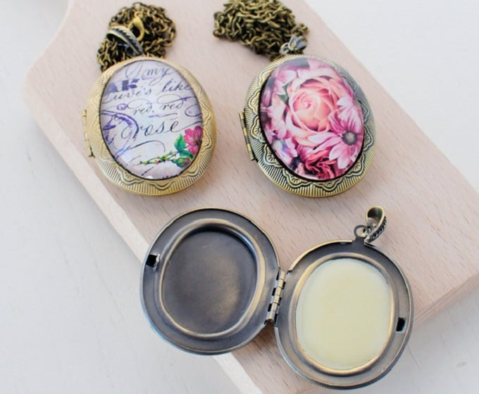 DIY solid perfume lockets