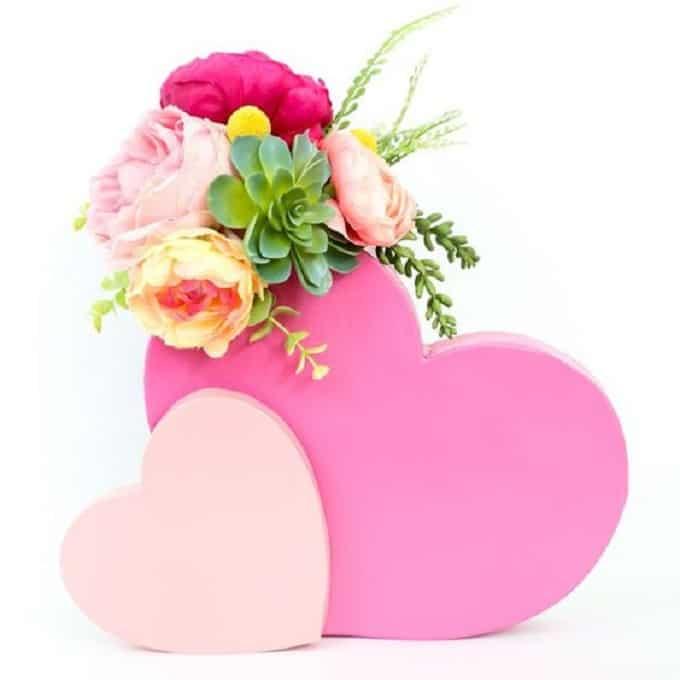 DIY heart-shaped vases