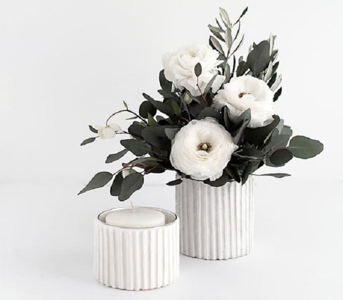 white vase towel 2560x1440 - photo #14