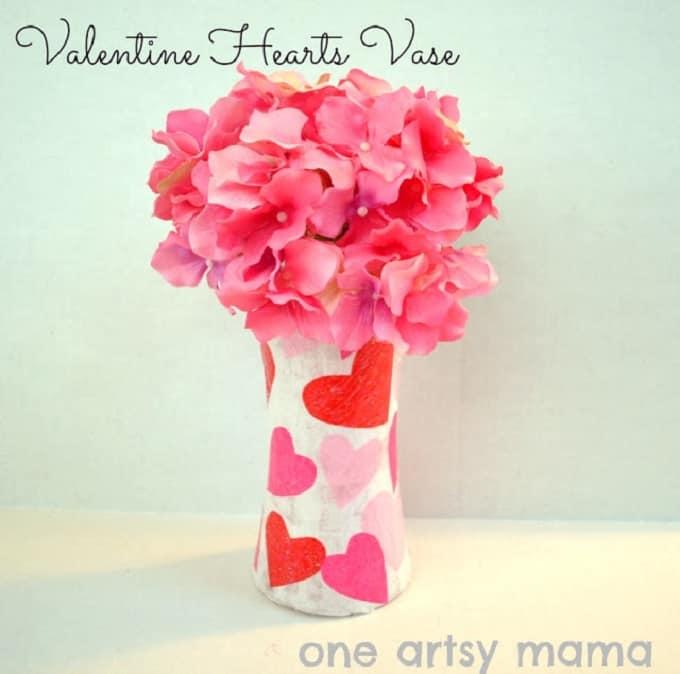 heart-patterned vase