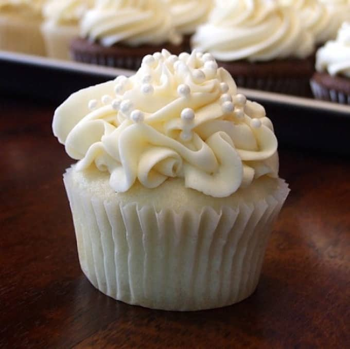 White Wedding Cake Cupcakes