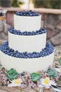 bluberry wedding cake