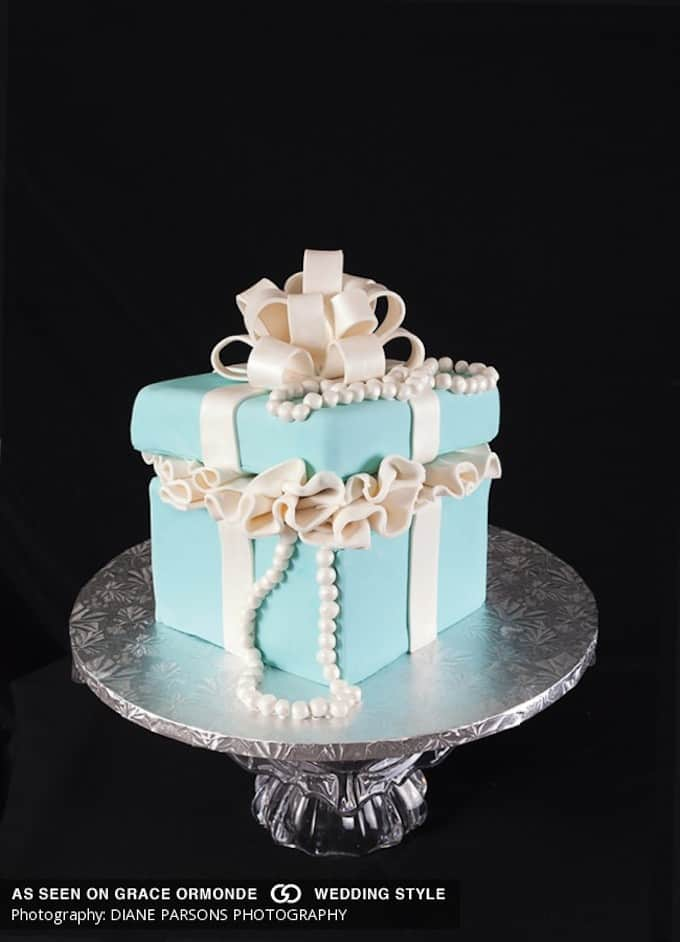 breakfast at tiffanys wedding cake