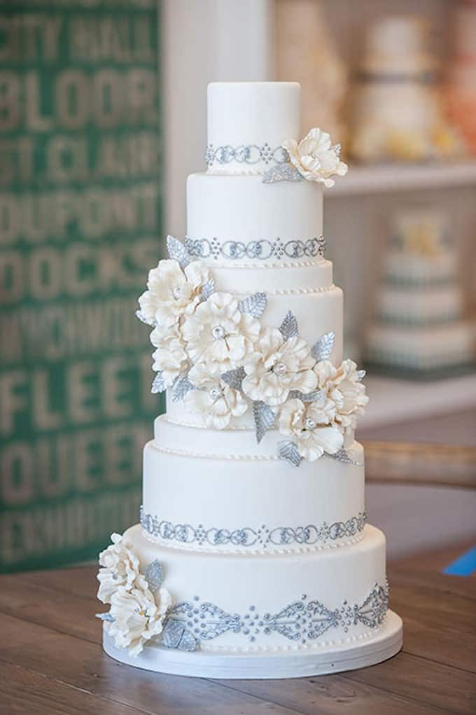 crystal garden wedding cake