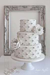 scalloped wedding cake