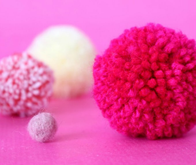pom pom craft ideas 60 amazing diy pom pom crafts 5231