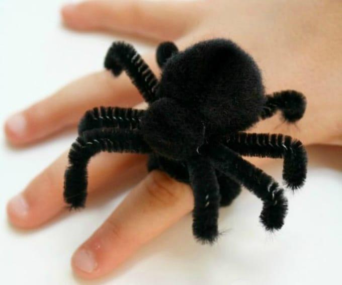 pom pom spider rings